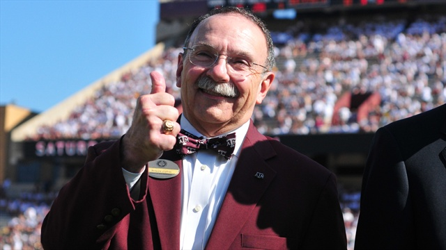 Driven by desire to teach, Loftin will step down