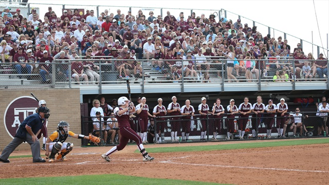 Aggie Softball wins two on day two of the TAMU Invitational