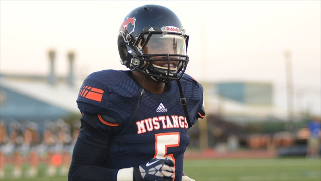 Texas A&M's pursuit of Devin Duvernay continues