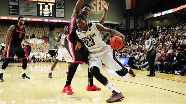 Aggies open home-stand with error-filled loss to UGA, 62-53