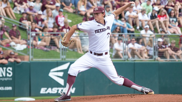 Aggies stumble against Arkansas, 8-2, drop first series of the year